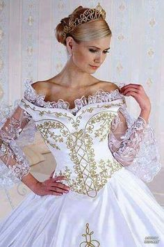Hungarian wedding dress with the typical Hungarian motives Queen Wedding Dress, Wedding Flower Girl Dresses, Nice Dresses, Prom Dresses, Formal Dresses, Bridal Gowns, Wedding Gowns, Lace Bolero, Skating Dresses