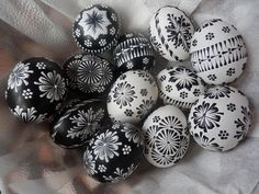 Easter Eggs, Wax, Patterns, Painting, Candle Art, Candles, Crafting, Block Prints, Painting Art