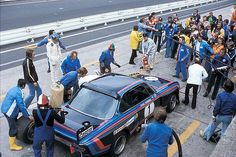 6 Hours Race 1974 – Ronnie Peterson is waiting to take over the Works BMW 3.0 CSL he shares with Hans-Joachim Stuck. They have been fastest in qualifying (8.11,70) but won't finish the race because of suspension problems.