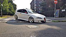 Alfa Romeo 147, Alfa Alfa, Bmw, Garages, Motor Car, Automobile, Cars, Vehicles, Pony