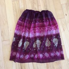 Summer skirt Great condition •no stains or tears •100% polyester Skirts
