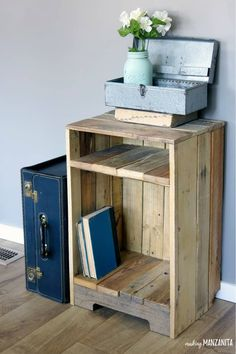 Pallet Wood Side Table With Rustic Style The pallet wood side table with rustic style was so easy to DIY! I love the character the pallet furniture adds to our living room. The post Pallet Wood Side Table With Rustic Style appeared first on Pallet Diy. Pallet Patio Furniture, Reclaimed Wood Furniture, Furniture Projects, Furniture Plans, Rustic Furniture, Diy Furniture, Inexpensive Furniture, Furniture Online, Luxury Furniture