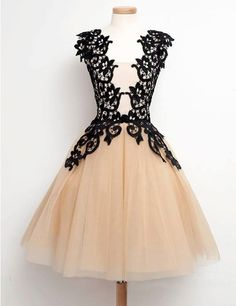 Fashion Square A-line Lace Appliques Champagne Homecoming Dress