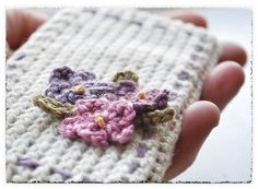 motleycraft-o-rama: Free pattern for this iphone...