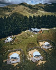 A perfect perspective of a glamping paradise ✨ - Surrounded by grassy hills and South Island wilderness, this property in Otiake features all you could ever want during your New Zealand adventure. Casa Yurt, Casa Bunker, Dome Structure, Geodesic Dome Homes, Back To Nature, Camping Glamping, Tree Camping, Dome Tent, A Frame House