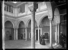 Tunis  Musée National du Bardo  Grand patio : colonnes et arcades