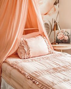 This pink palace by @rainandpineblog is perfect for any sleeping beauty! We just love our Vintage Blush with this sweet canopy and beautiful floral wall. #beddys #zipperbedding #zipyourbed #girlbedding #girlbed #beddysbeds #girlyroom #girlsroomdecor #girlsroom #girlsroominspo #girlsroominspiration #girlsroomdecoration #girlsroomstyling #girlystuff #bedding #beddings #homedecor #homedesign Shabby Chic Interiors, Shabby Chic Bedrooms, Shabby Chic Decor, Boho Decor, 1950s Decor, Vintage Decor, Girls Bedroom, Bedroom Decor, Floral Bedroom
