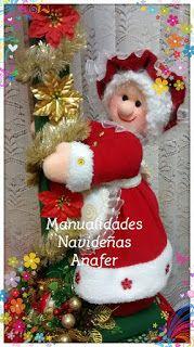 Manualidades Anafer: Farol Mamá Noela Christmas Elf Doll, Christmas Stocking Kits, Felt Christmas Stockings, Primitive Christmas, Christmas Tree Toppers, Christmas Home, Vintage Christmas, Christmas Wreaths, Christmas Crafts