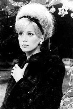 Catherine Deneuve in 'Les Parapluies de Cherbourg', 1964.