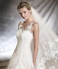 OLWEN - Robe de mariée, silhouette princesse | Pronovias