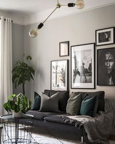 Gray Living Rooms Ideas - For beautiful gray living-room ideas, counter light gray wall surfaces with dark gray shelving Grey Walls Living Room, Living Room Photos, Living Room Green, Living Room Ideas Dark Couch, Grey Room, Living Room Art, Interior Design Living Room, Living Room Designs, Gray Interior