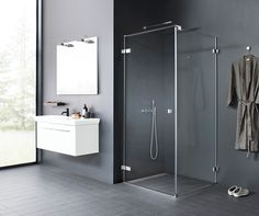 The light design of the AIR shower series oozes underplayed elegance in combination with the Calidris bathroom furniture.