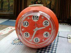 Extrem seltener Design Wecker Mechanisch Orange Handaufzug
