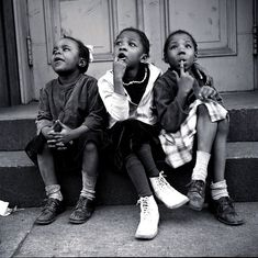 A look at the life and work of New York-based street photographer Vivian Cherry. At Cherry has been documenting life in New York since the Popular Photography, City Photography, Vintage Photography, Photography Magazine, Portrait Photography, Helen Levitt, Photography Essentials, Black And White City, Black Men