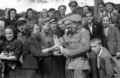 DESPEDIDA DIVISIÓN AZUL: Madrid, 13-7-1941.- Despedida a los voluntarios de la División Azul en la estación del Norte.- Efe/Hermes Pato/jt