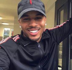 I want a boyfriend😫 Men In Black, Cute Black Guys, Gorgeous Black Men, Handsome Black Men, Black Boys, Beautiful Men, Cute Lightskinned Boys, Hot Boys, Fine Boys