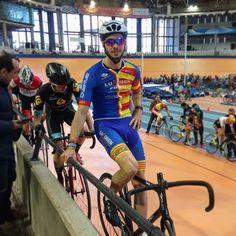 Javier Montaner Hernández, ciclista valenciano Campeón en 2017 del Campeonato de la Comunitat Valenciana de Ciclismo en Pista, confía en #Luxoben para la recuperación física después de sus entrenamientos. ¡BRAVO!  #Luxoben #LuxobenForte #masajecorporaldeportivo