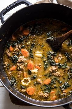 overhead photo of Spicy Italian Pesto Noodle Soup in soup pot New Recipes, Dinner Recipes, Healthy Recipes, Kale Recipes, Easy Weekday Meals, Easy Meals, Charcuterie, Spicy Vegetable Soup, Italian Chicken Sausage