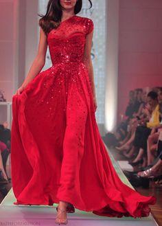 Miranda Kerr ( in David Jones dress)