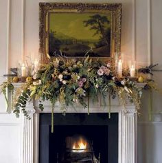 Looking for Christmas mantelpiece inspiration? Make your fireplace stand out this festive period with these mantelpiece decorating ideas Country Christmas, Christmas Home, Christmas Garden, Christmas Interiors, Natal Country, Christmas Flowers, Christmas Flower Arrangements, Christmas Colors, Christmas Mantels