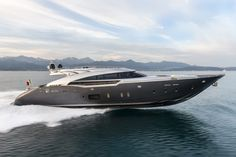 Palmer Johnson, the historic and innovative American superyacht manufacturer, exhibited its SuperSport superyacht during the Singapore Yacht Show. Super Yachts, Big Yachts, Small Yachts, Luxury Yachts, Luxury Boats, Speed Boats, Power Boats, Phuket, Volvo