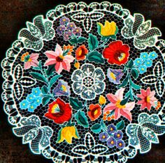 Hungarian - Kalocsai embroidery Hungarian Embroidery, Folk Embroidery, Learn Embroidery, Embroidery Patterns, Lace Making, Embroidery Techniques, Crochet Lace, Needlework, Free Pattern