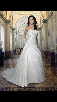 Wedding dress haven't seen any life this and I love this style