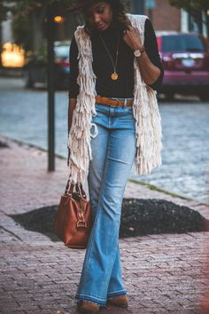 Flares @ Lindey's | Live Love and Read | flare jeans outfit, how to wear flare jeans, flare jeans outfit ideas