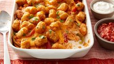 Coming to you hot from the Betty Crocker Kitchens are these can't-miss spins on comfort food — think: cheesy soup, creamy pasta and a new tot-topped casserole! 3 Quart Baking Dish, Glass Baking Dish, Tater Tot Casserole, Tater Tots, Pasta Casserole, Chicken Casserole, Frozen Potatoes, Creamy Pasta, Chicken Fajitas