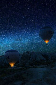 Flight to the Milky Way. Two hot air balloons soar into the night sky filled with stars. Cool Pictures, Cool Photos, Beautiful Pictures, Beautiful Sky, Beautiful World, Simply Beautiful, Images Cools, Ciel Nocturne, Sky Full Of Stars