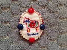 ブローチ:Dalahäst + ハンガリー刺繍