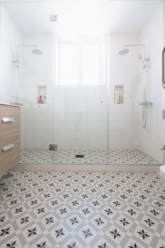 A collection of the most popular bathroom tips! Grab tips and tricks to produce your perfect master bathroom! Curated by Rebekah Dempsey of A Blissful Nest. Bathroom Windows, Bathroom Layout, Bathroom Interior Design, Budget Bathroom, Small Bathroom, Master Bathroom, Modern Bathroom, Bathtub Decor, Toilet Design