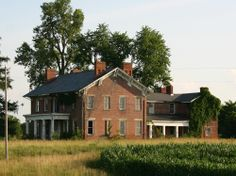 Abandoned Mansions in the South | the original house was built around 1830 in the early