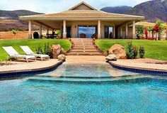 Explore the most Luxurious Homes from the specialists at Luxury Retreats. Find villas in Italy, Greece, France, Caribbean, Hawaii and around the world Beach Entry Pool, Vacation Villas, Cool Pools, Pool Houses, Architecture, My Dream Home, Exterior Design, Future House, Beautiful Homes