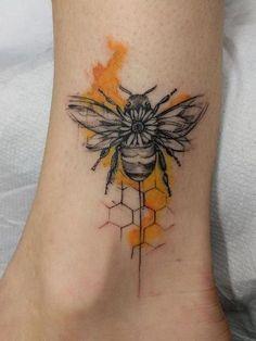 Honey Bee Tattoo, Bumble Bee Tattoo, Mini Tattoos, Body Art Tattoos, Small Tattoos, Tatoos, Pretty Tattoos, Beautiful Tattoos, Arm Tattoo