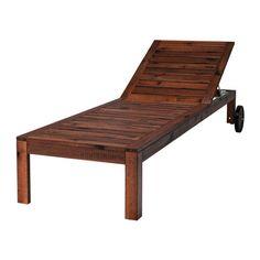 IKEA - ÄPPLARÖ, Zonnebed, De rugleuning is verstelbaar in vijf standen.Door de wielen makkelijk verplaatsbaar.Je kan het meubel makkelijk beschermen tegen slijtage door het regelmatig, bv. eenmaal per jaar, opnieuw te behandelen met lazuur.