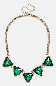 This emerald BaubleBar collar necklace is so sparkly!