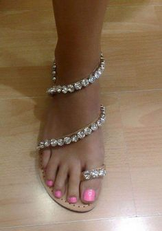 32 Super Ideas For Wedding Shoes Sandals Summer Bling Bling Sandals, Shoes Flats Sandals, Sandals Outfit, Cute Sandals, Cute Shoes, Leather Sandals, Me Too Shoes, Shoe Boots, Bling Shoes