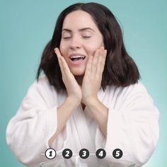 Pin by simran menghani on makeup [Video] in 2020 Makeup Eye Looks, Eye Makeup, Hair Makeup, Beauty Secrets, Beauty Hacks, Simple Makeup Tips, Power Of Makeup, Make Beauty, Altering Clothes