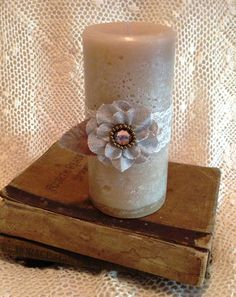 Cute handmade candle!! Callies Cozy cottage on Etsy. Only $13.00  Many more shabby chic/ farmhouse decor items on this Etsy store!!