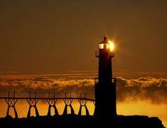 Algoma Lighthouse, Kewaunee Co, WI Photo by Tim Schulz