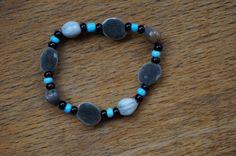 graine de zanzibar et graines larme de job naturelle sur ce bracelet petit garçon avec des perles de rocaille noire : Bijoux enfants par lily-graine