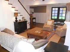 Pretty Old Houses: A Bungalow Dream House...Family Room