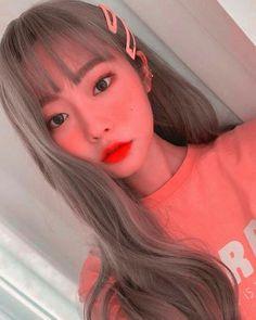 تنسيقات للبروفايل 🍭♥️   آطُلُِبَ وُسألُِبَي طُلُِبَڪ ♥️🐰 #nonfiction # Non-fiction # amreading # books # wattpad Ulzzang Hair, Ulzzang Korean Girl, Loona Kim Lip, Korean Girl Photo, Rose Pastel, Girl Korea, Uzzlang Girl, Selfie Poses, Red Aesthetic