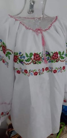 Basic Embroidery Stitches, Diy Flowers, Bridal Dresses, Off Shoulder Blouse, Floral Tops, Cross Stitch, Traditional, My Favorite Things, Crochet
