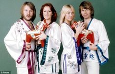Punkin • 31st January 1976, ABBA knocked Queen from the UK...