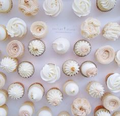 🌟The tiniest & simplicity of these cupcakes are to die for, my problem would be that I would want to eat them ALL 😂 By the talented Buttercream Cupcakes, Love Cupcakes, Baking Cupcakes, Yummy Cupcakes, Wedding Cupcakes, Cupcake Cakes, Frosting, Nectar And Stone, Macaroon Cake