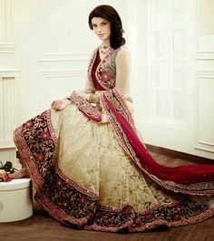 Finding The Perfect Bridal Outfits : Beautiful Bridal Lehenga Choli Collection For Fall Winter Weddings