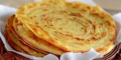 Laccha paratha or Kerala Porotta is made of both wheat flour and all-purpose flour. This Crispy Flaky Layered Indian Flat Bread is crispy and flaky. Easy Indian Recipes, Ethnic Recipes, Afghan Food Recipes, Bread Recipes, Cooking Recipes, Missi Roti, Indian Flat Bread, Paratha Recipes, Cooking Bread