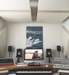@remixraf  #musicstudio #musicproduction #studioporn #studiosetup #recordingstudio #music #homestudio #homerecording by musicstudios